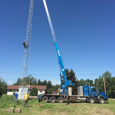 Truck lifting with a crane